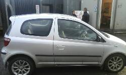 2000 TOYOTA YARIS SR breakers