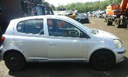 2005 TOYOTA YARIS T3 breakers