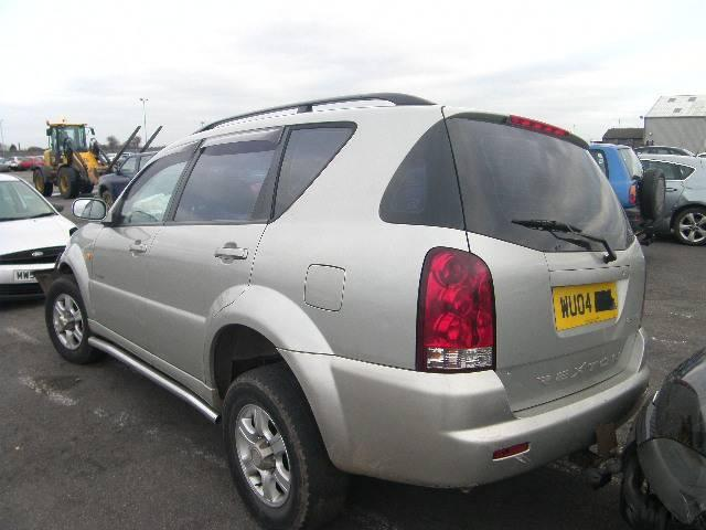 Breaking Ssangyong REXTON, REXTON RX2 Secondhand Parts