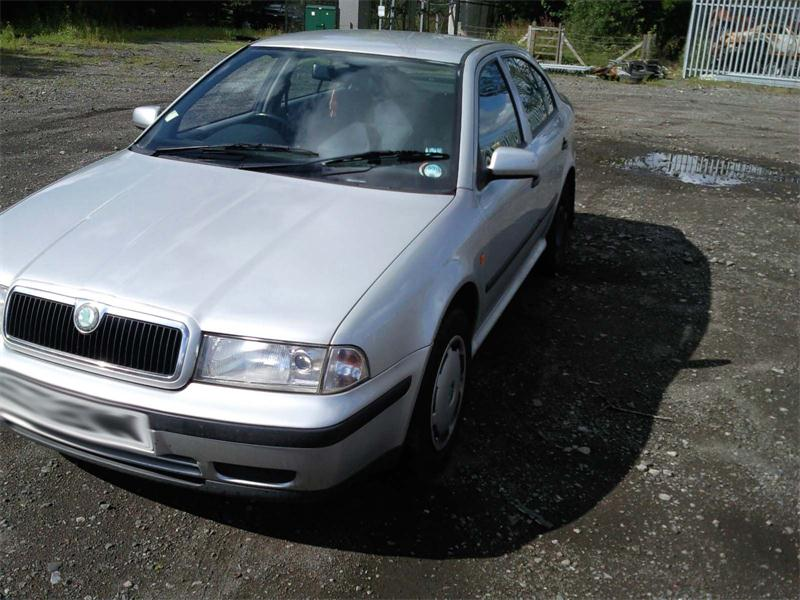 2000 skoda octavia glxi 1984cc breakers skoda octavia glxi parts skoda octavia glxi breaking. Black Bedroom Furniture Sets. Home Design Ideas