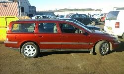 2001 VOLVO V70 AUTO breakers